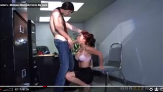 اسخن نيك مكتب و فتاة بزازها نار و زميلها يسخن عليها الجنس العربي القذر