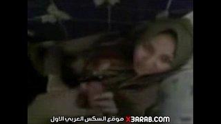 هيومة للجادين اصحابه ناكو امه وهما سهرانين عنده xxx arabs أشرطة ...